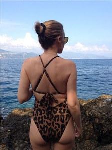 Kylie Minogue, 45 ans et fière de ses fesses