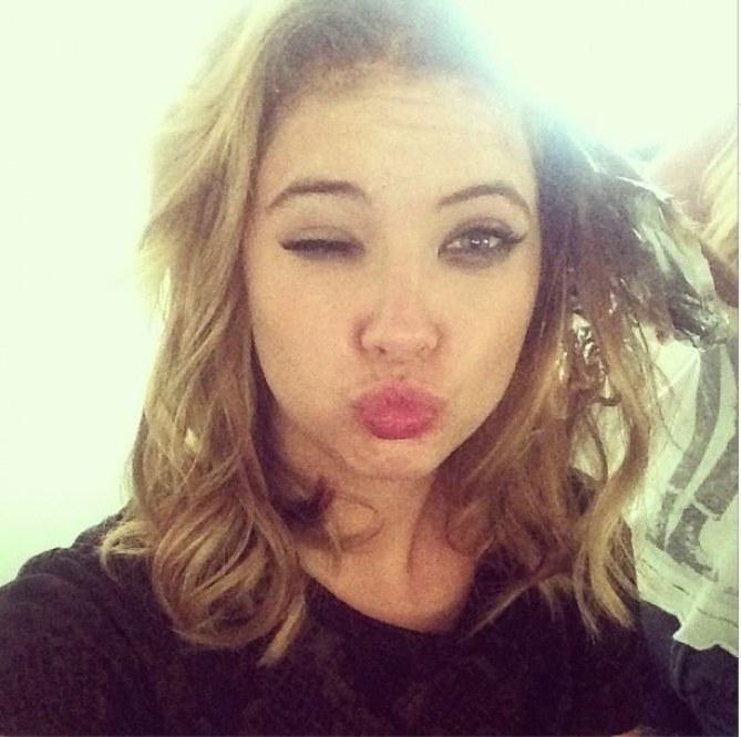 Ashley Benson se moque d'Amanda Bynes