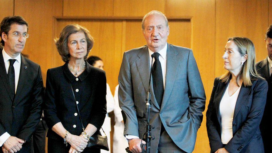 Los reyes viajan a Santiago de Compostela para mostrar su apoyo a las familias de las víctimas