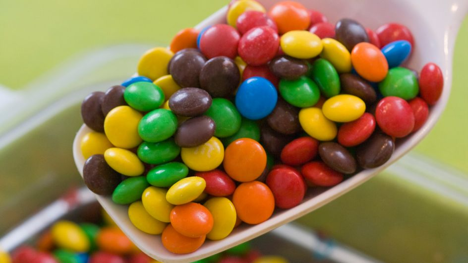 Insolite : Une fillette achète pour 2 600 euros de bonbons avec des chèques volés
