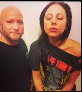 Lady Gaga : Elle se fait percer le nez en direct (Vidéo)