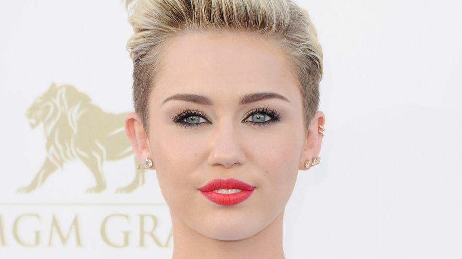 Miley Cyrus : Nue pour Marc Jacobs et la bonne cause