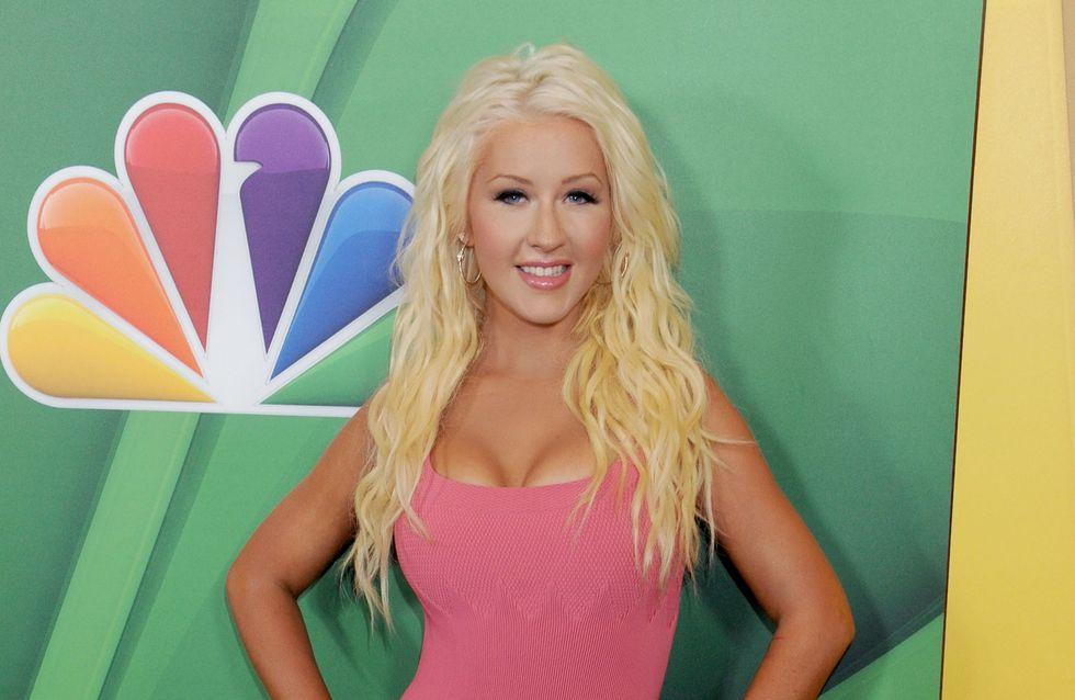 Christina Aguilera : Ultra mince en mini-robe rose bonbon (photo)