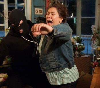 Hollyoaks 06/08 - Myra is attacked