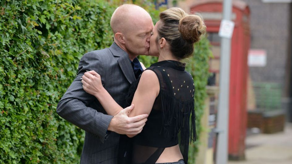 EastEnders 06/08 - Max and Kirsty kiss