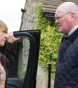 Emmerdale 06/08 - Paddy's angry to find out Rhona's been lying