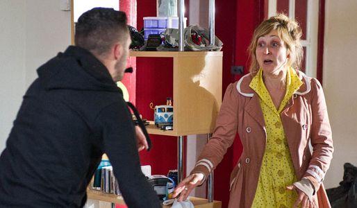 Laurel approaches her attacker