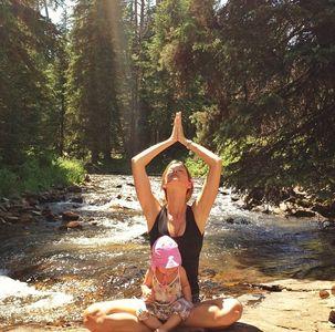Pause yoga pour Gisele Bündchen et sa fille