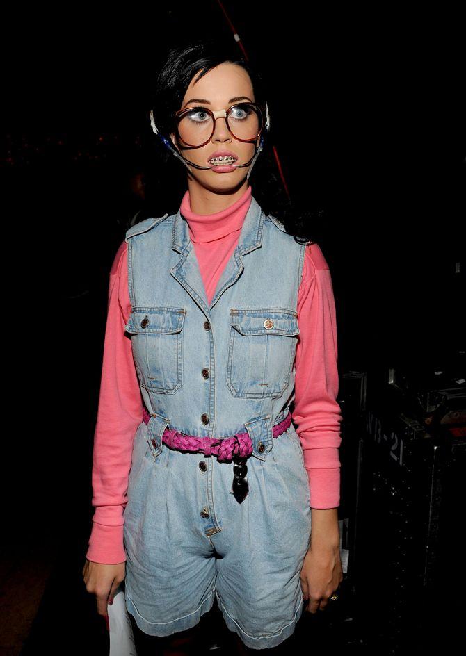 Katy Perry disfrazada de adolescente