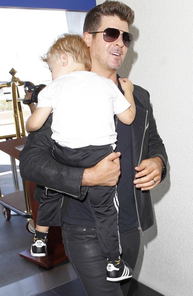 Robin Thicke mit seinem Sohn