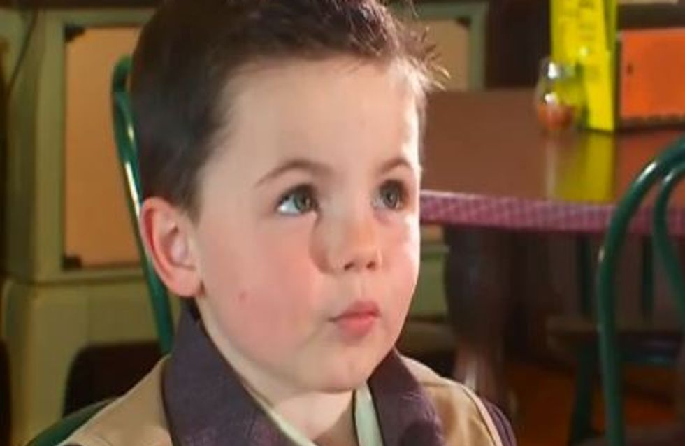 Insolite : À 4 ans, il devient maire de son village ! (Vidéo)