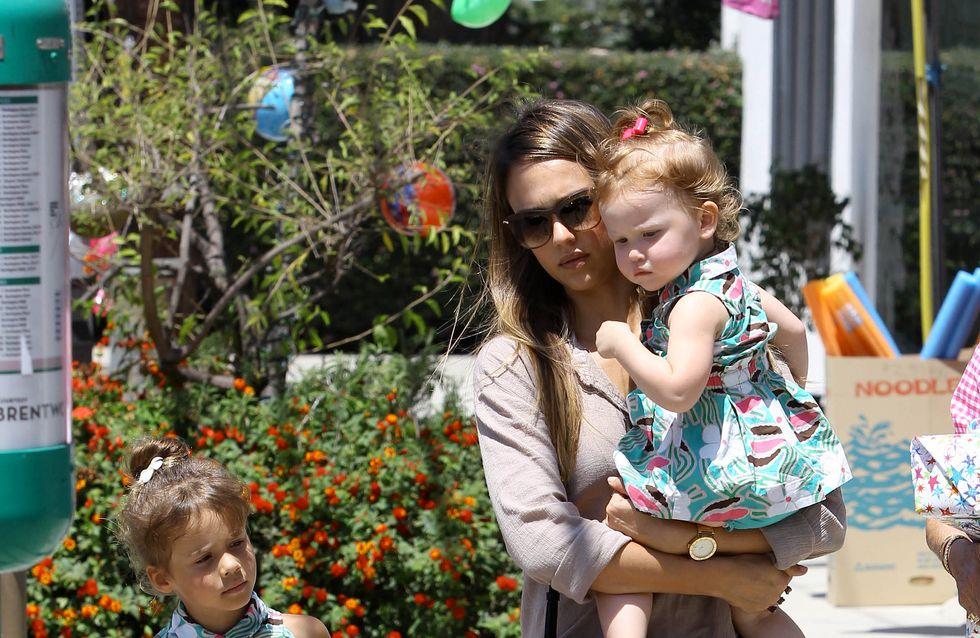 Jessica Alba : Elle habille ses filles à l'identique (Photos)