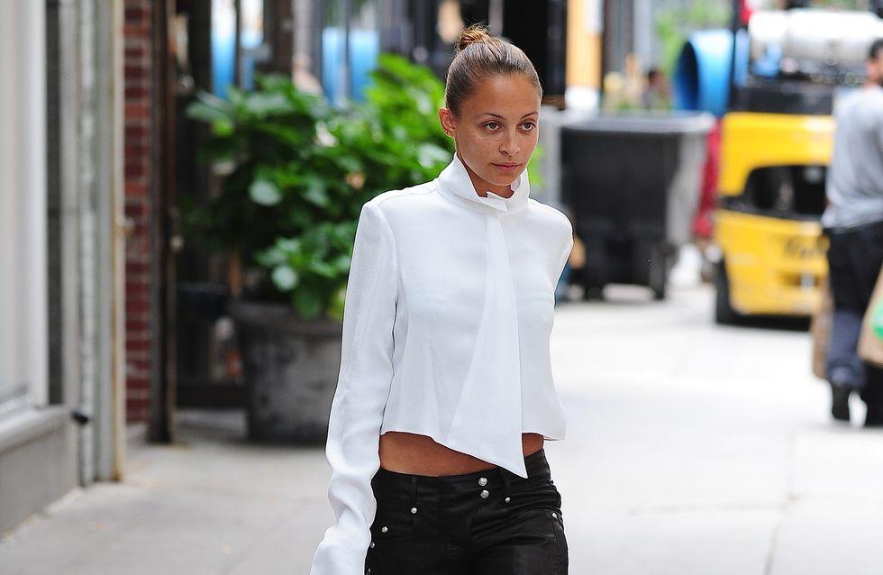 Nicole Richie : Un look noir et blanc très pointu (Photos)