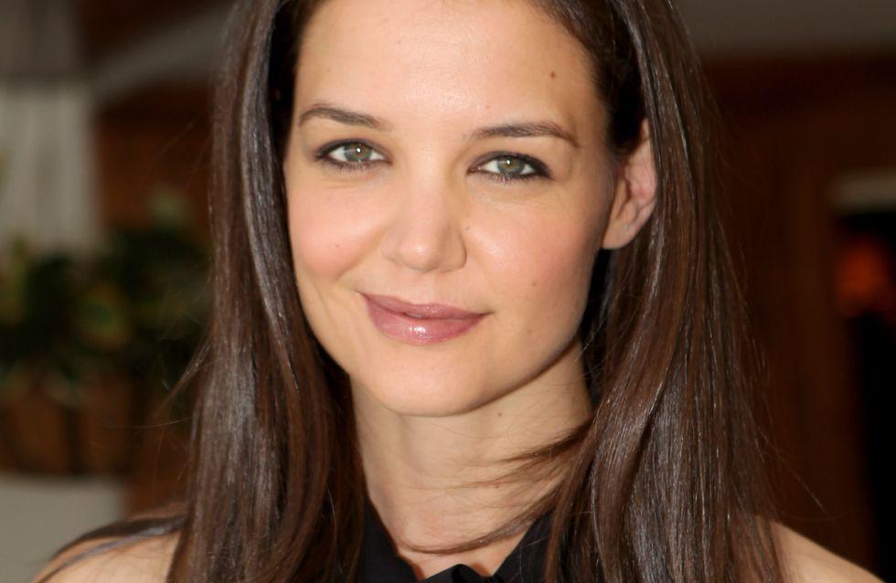 Katie Holmes : Elle lance une palette de maquillage pratique