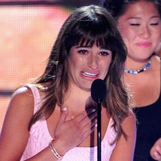 WATCH Lea Michele dedicates Teen Choice Award to Cory Monteith in tearful speech