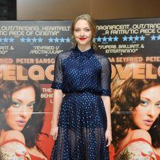 Amanda Seyfried, un peu trop rétro dans sa robe bleue ?