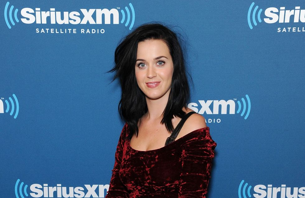 Katy Perry : Fini les looks cartoons et place au style médiéval (Photos)