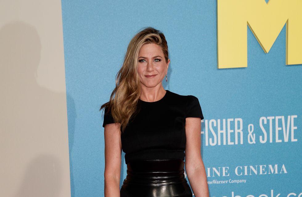 Jennifer Aniston : Un petit air de Ke$ha sur le tapis rouge (Photos)