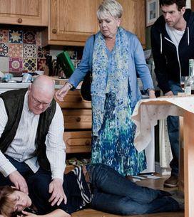 Emmerdale 28/08 - Rhona ends up in hospital after an overdose