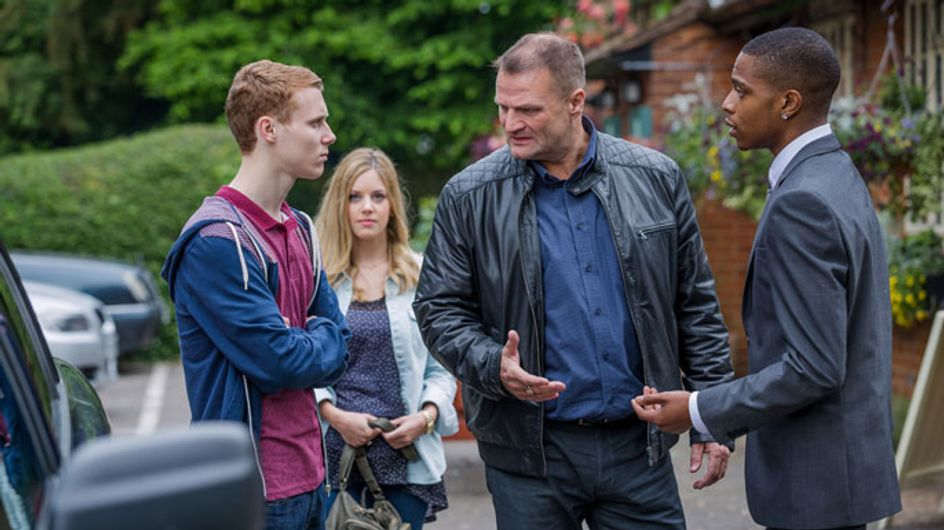 EastEnders 27/08 – It's time to collect the money