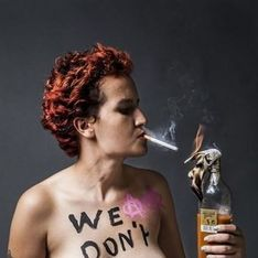 Amina quitte les Femen, une organisation islamophobe