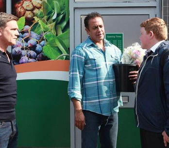 Coronation Street 04/09 - Craig runs away