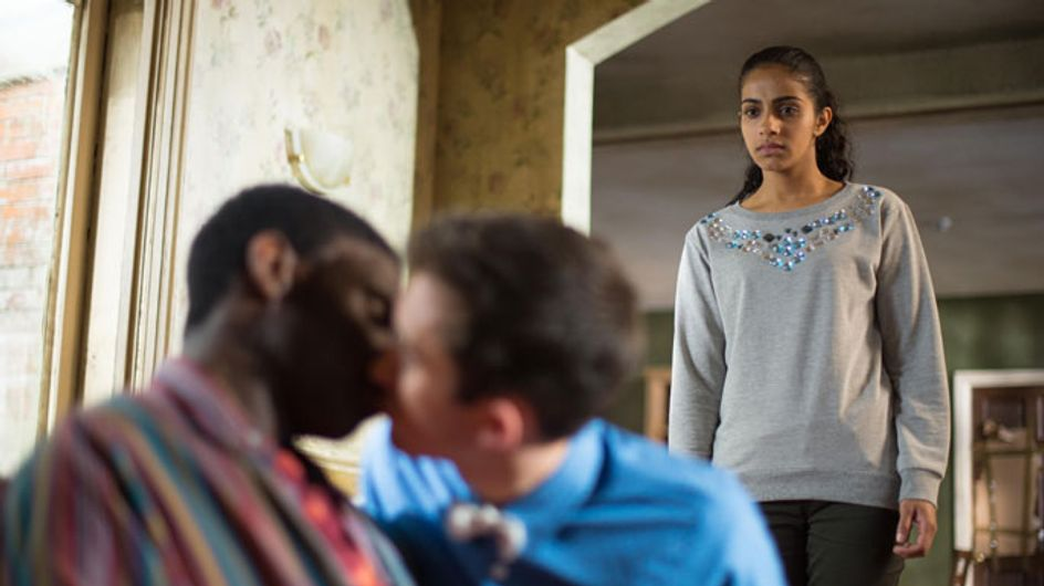 Hollyoaks 04/05 – Phoebe catches George and Vincent together