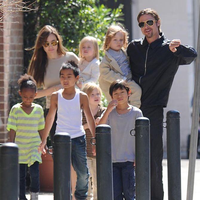 Alle auf einem Haufen: Brangelina und ihre Kinder.