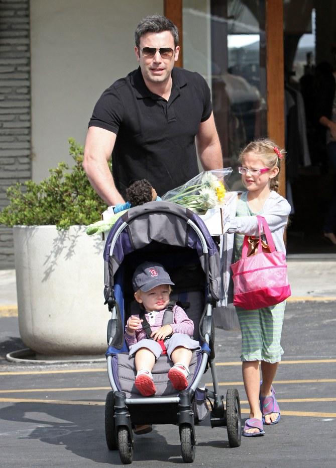 Ben Affleck mit seinen Kindern