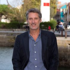 Le Grand Journal : Pas de surprise avec Antoine de Caunes