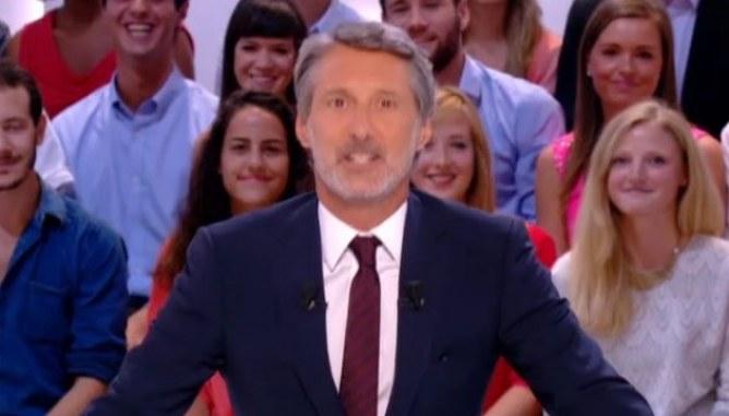 Antoine de Caunes lance la nouvelle saison du Grand Journal