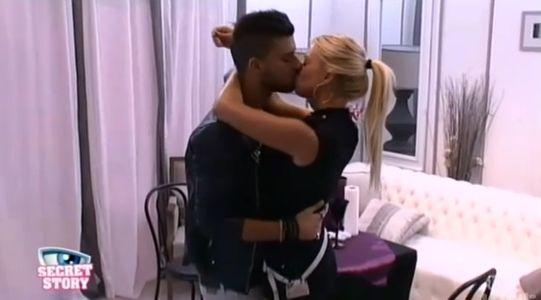 Premier baiser entre Stéphanie et Vincent