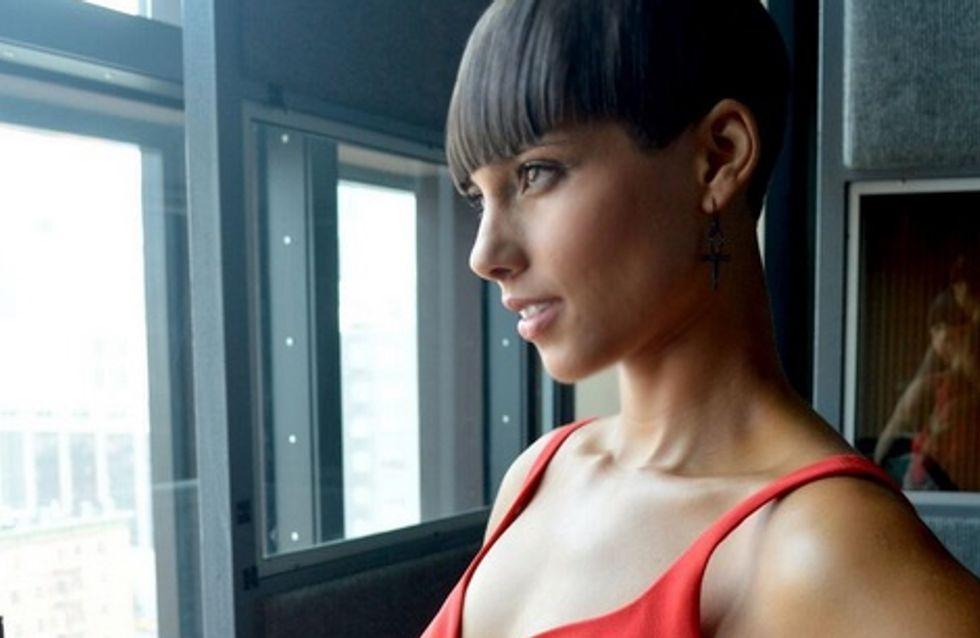 Alicia Keys : Elle ose la coupe au bol (photos)