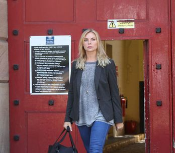 EastEnders 09/09 - Ronnie's released from prison