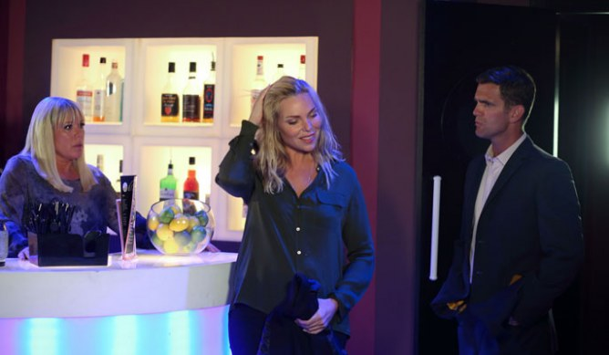 Bit awkward...Ronnie walks in on a fight between Jack and Sharon