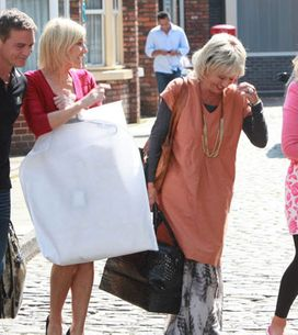 Coronation Street 09/09 - Stella worries about Karl's odd behaviour