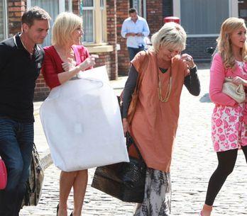 Coronation Street 09/09 - Stella worries about Karl's odd behaviour