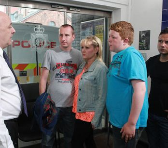Coronation Street 13/09 - The police close in on Karl