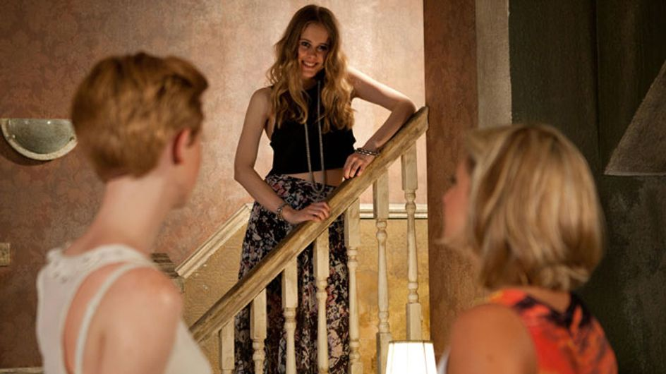 Hollyoaks 13/09 - Tilly's jealous when Esther hits it off with her new flatmate