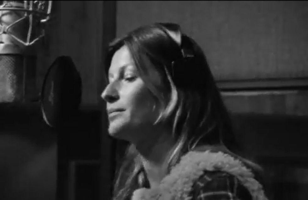 Gisele Bündchen : elle se met à la chanson pour H&M (photos et vidéo)