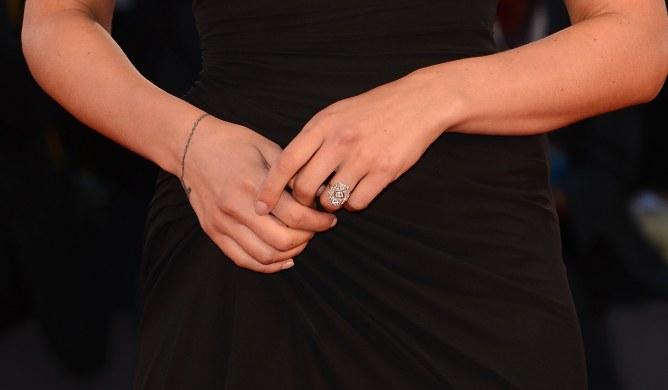 La bague de fiançailles de Scarlett Johansson