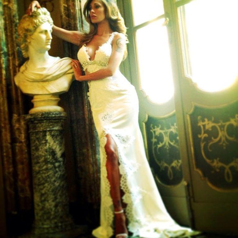 a79af77b9ca3 Belén Rodriguez ha scelto l abito da sposa