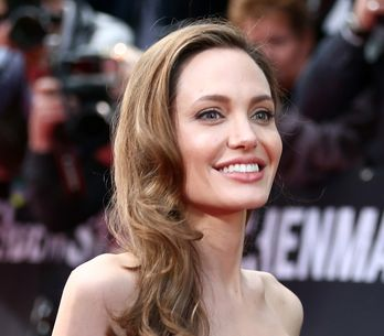 Angelina Jolie : Un nouveau tatouage en arabe (Photo)