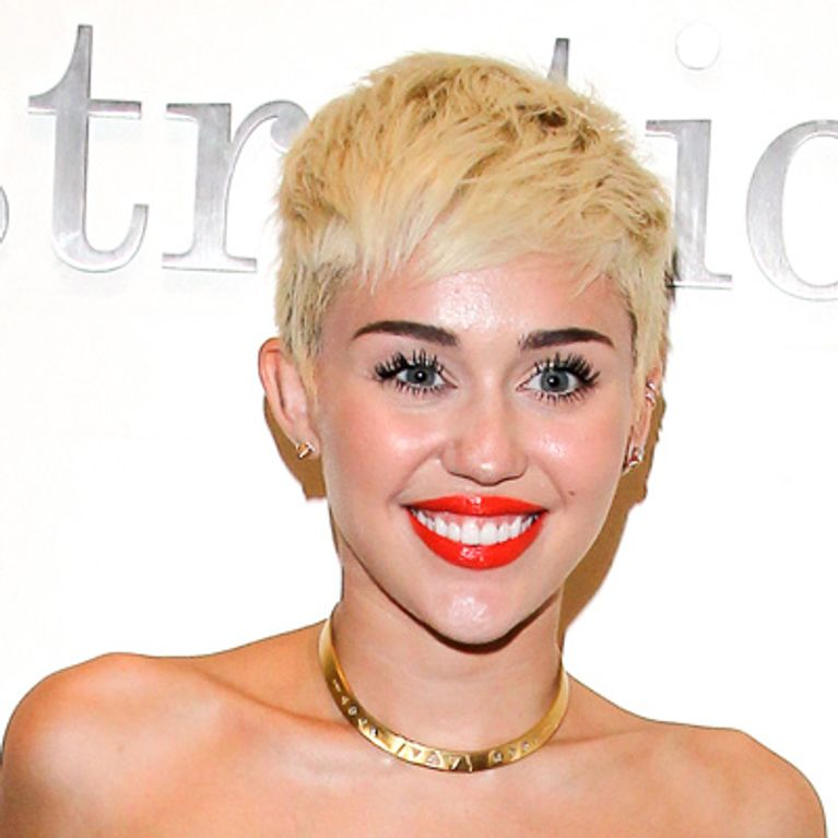 Miley Cyrus breaks Vevo records with new naked Wrecking Ball