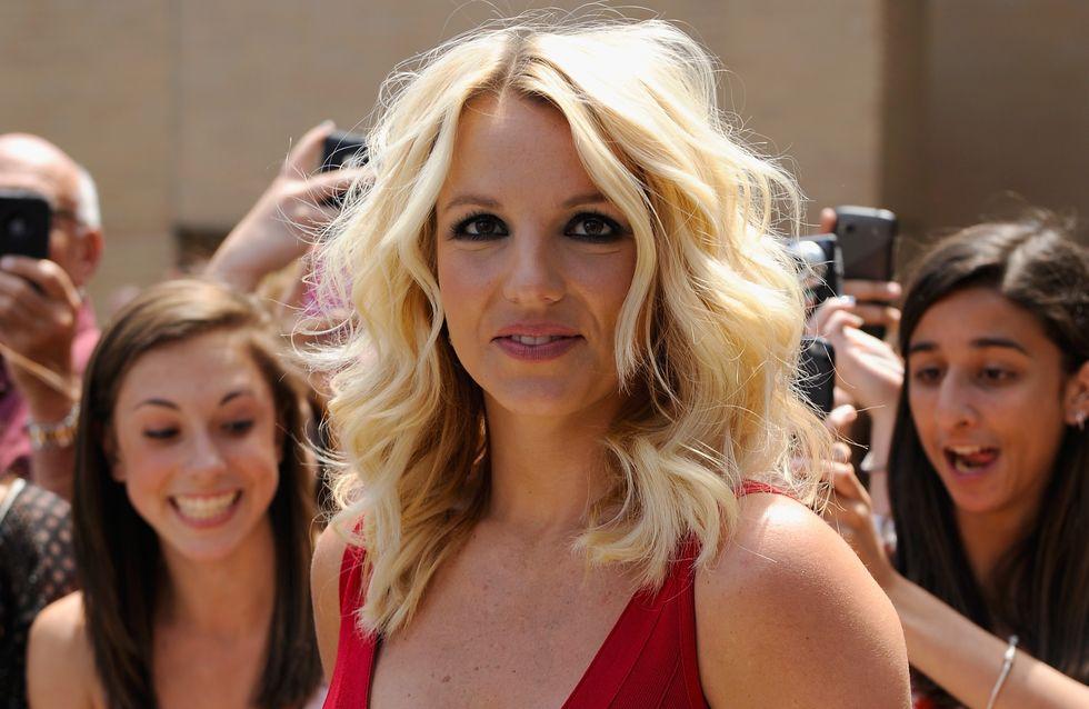 Britney Spears : Un sacré décolleté pour Work Bitch (photo)