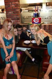Charlie Sheen & seine drei Freundinnen