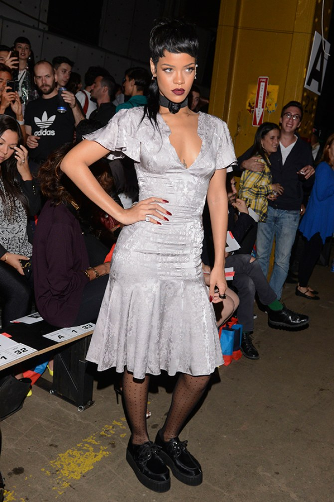 Rihanna debuts her new mullet