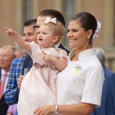 Kleine Prinzessin ganz groß: Estelle stiehlt dem Opa die Show