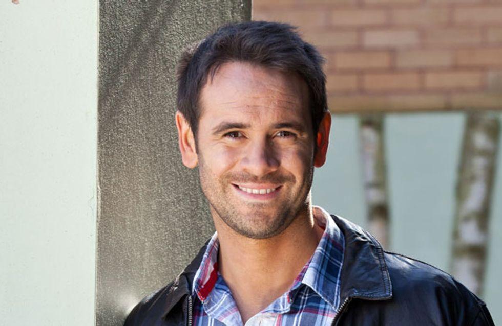 Hollyoaks 23/09 - Sandy gives Joe the shock of his life