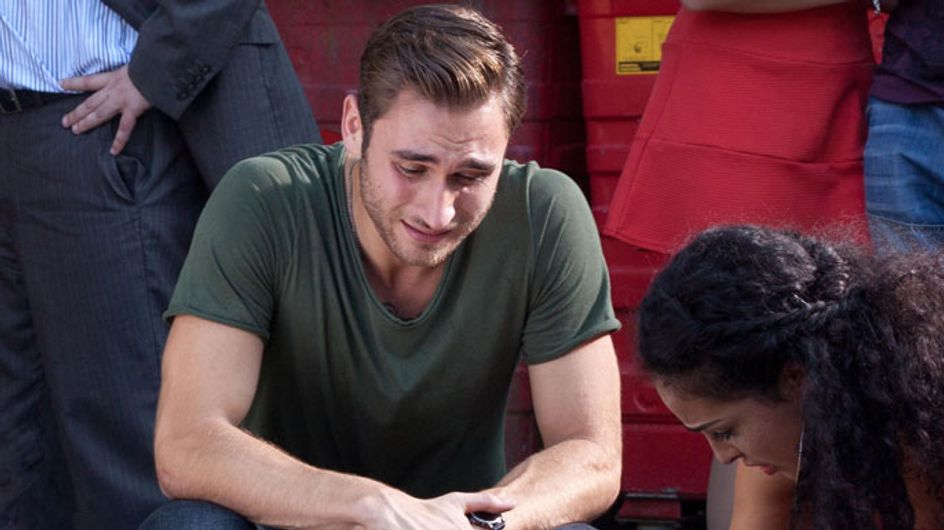 Hollyoaks 26/09 - Freddie realises Sinead and Maxine are in the club